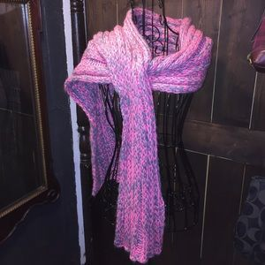 Aeropostale crocheted extra thick & long scarf